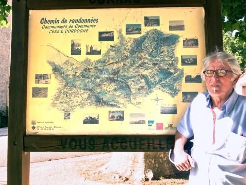 Panneau touristique : Chemin de randonnées